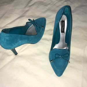 WHBM Madison Suede Heels Green Sz 7 (6 1/2)